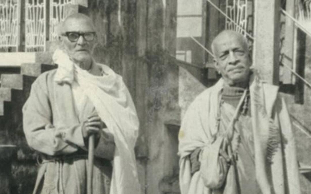 17-17. Srila Prabhupada and Srila Sridhar Maharaj