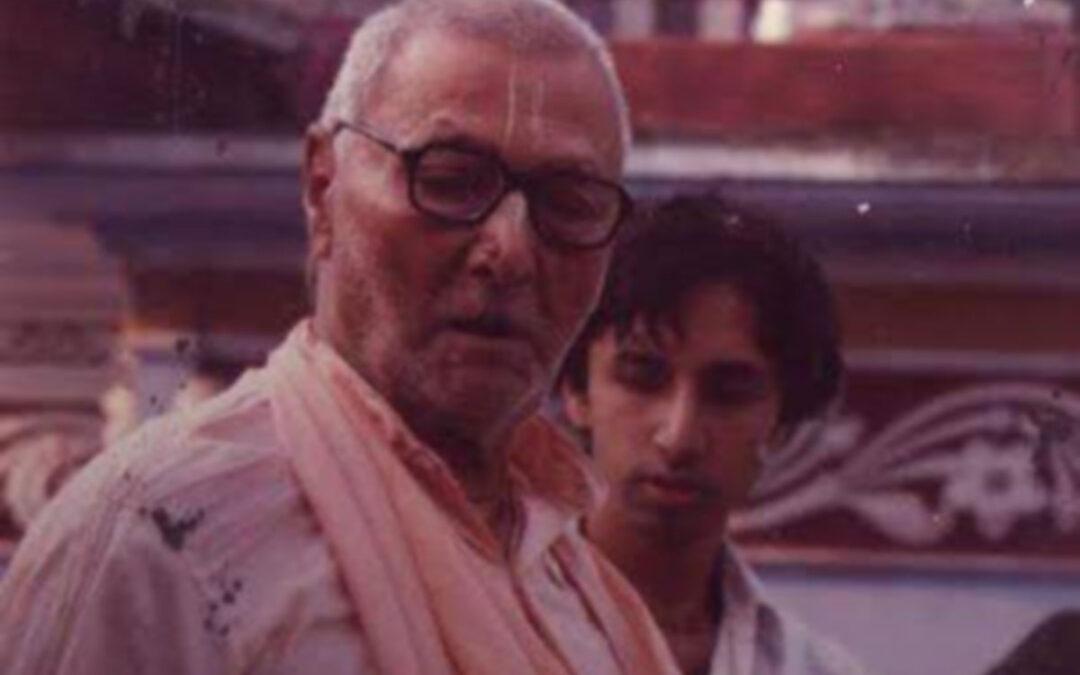 15-31 Jak Šrídhar Maharádž slavil svoji vjásapúdžu?
